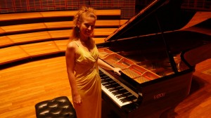 Carolina Estrada piano 12
