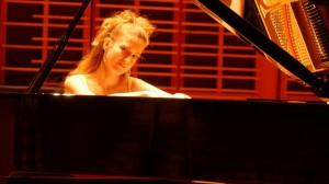 Carolina Estrada piano 15