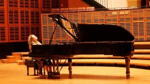 Carolina Estrada piano 3